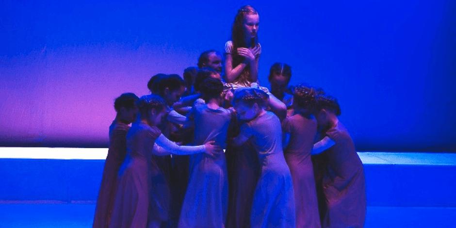 """Šokio ir judesio spektaklis šeimai ,,Mergaitė su degtukais"""""""