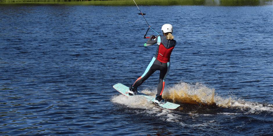 Merginų vandenlenčių sporto stovykla
