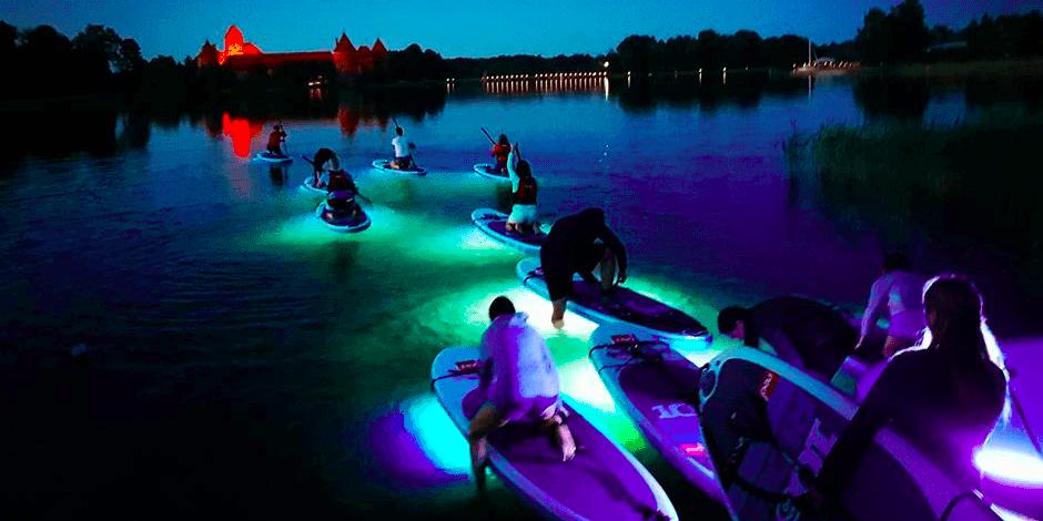 Naktinis Joninių irklenčių turas Trakuose